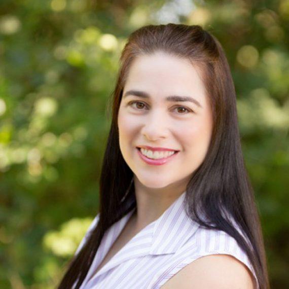 Image of Cynthia Belt